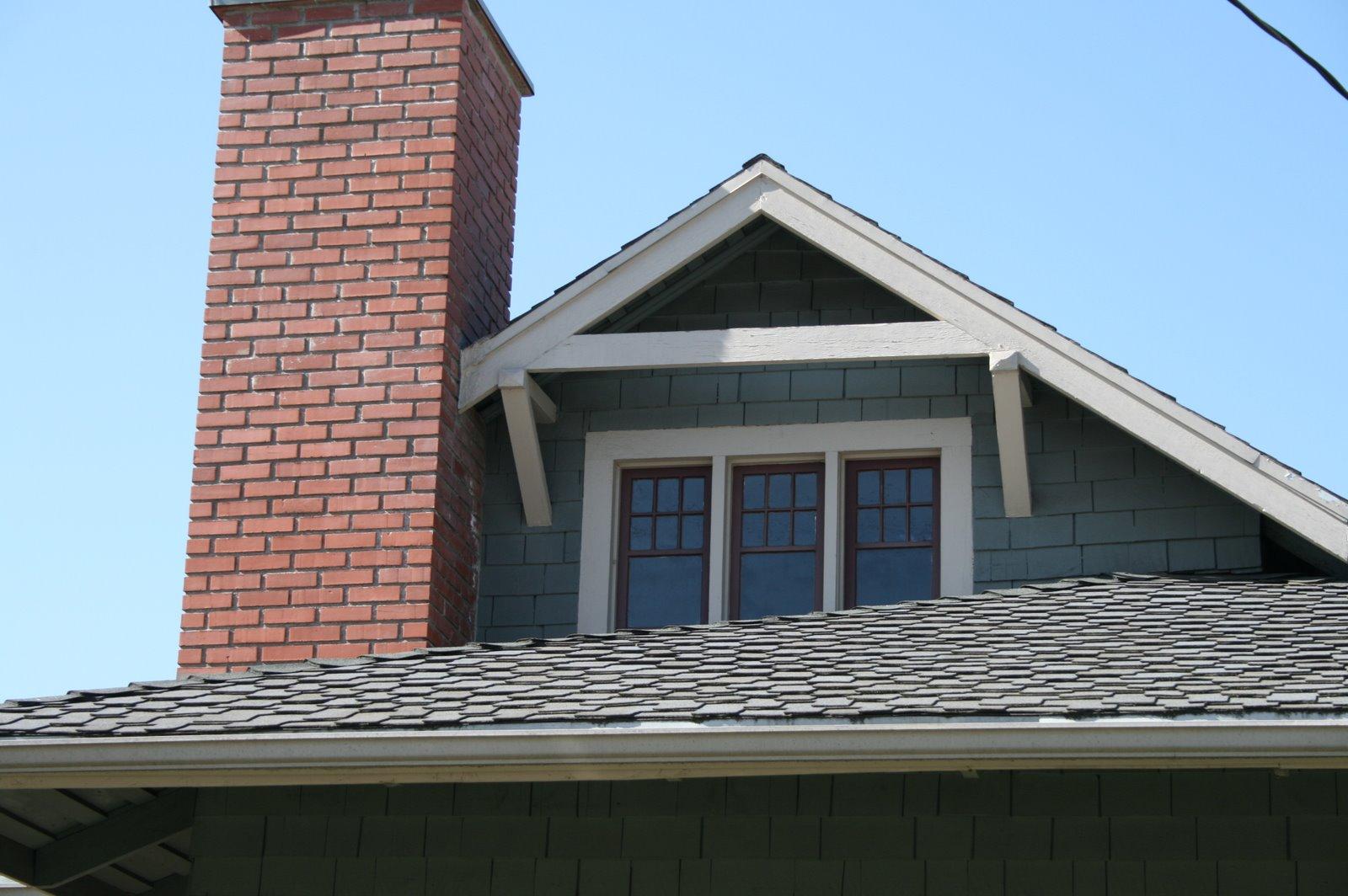 Recentering el pueblo may 2009 for Roof lines